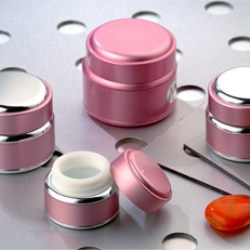 New jars boast aluminium shells and highly compatible interiors