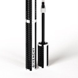 Albéa continues working with with Givenchy for its Noir Couture mascara line