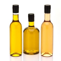 Innovative plastic bottles for oils, sauces, marinades and dressings