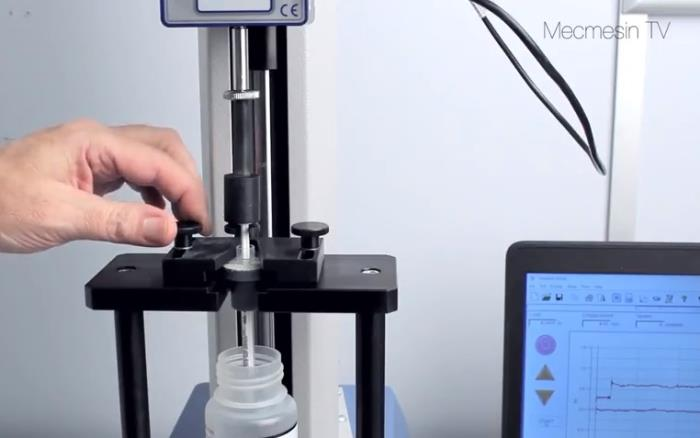 Syringe testing - fill & expel. Mecmesin Force & Torque Measurement Systems