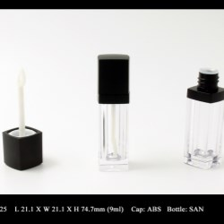 Lip Gloss Bottle: FT-LG1225