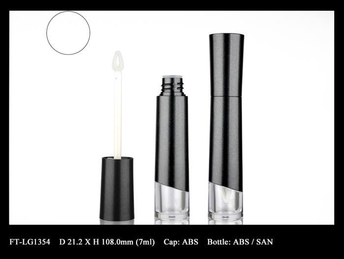 Lip Gloss Bottle: FT-LG1354