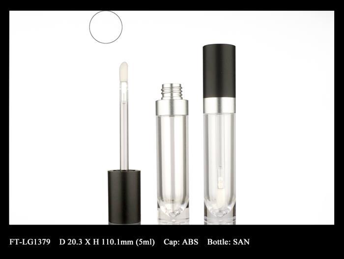 Lip Gloss Bottle: FT-LG1379