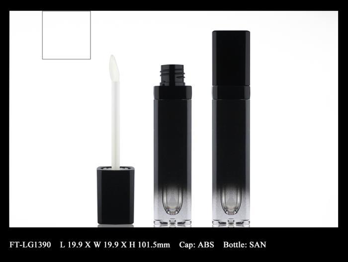 Lip Gloss Bottle: FT-LG1390