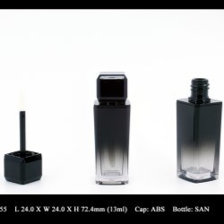 Lip Gloss Bottle: FT-LG1555