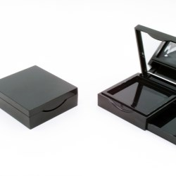 Square compact with side compartment