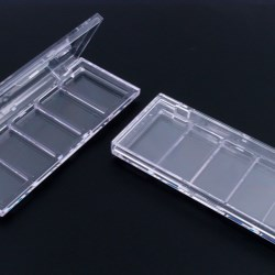 Clear eyeshadow pallet