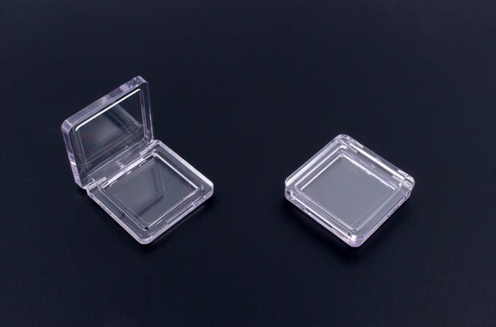 Clear square compact