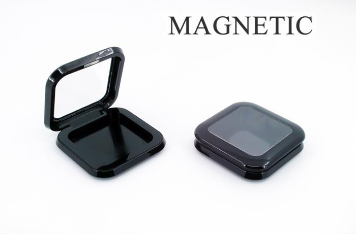 Magnetic square compact with round corners