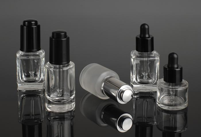 Droppers for nail treatments