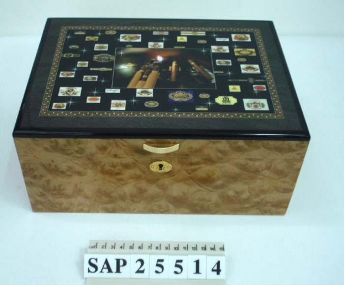 Spray Lacquering Wooden Cosmetic Box