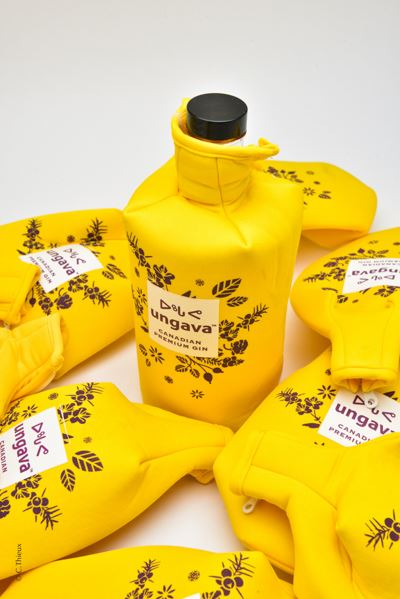 Wine & Spirits pouches and accessories