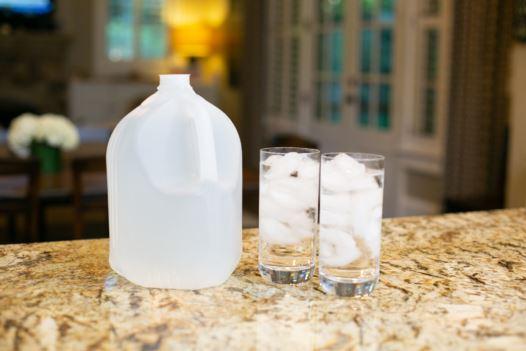 Dura-Lite family of bottles