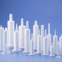 Multiple nozzle options for veterinary syringes