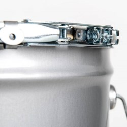 SpRingLatch pail closure delivers innovation and easy implementation