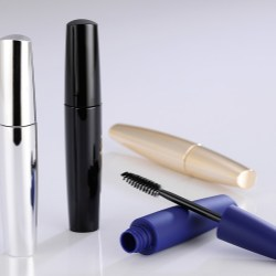 Yuen Myng launches mascara with a whopping 18ml capacity