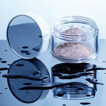 Cosmogen launches the ShakeNPowder waterproof powder jar