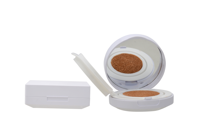 Toly's Refillable Cushion Compacts Are Ideal For Less Wastage