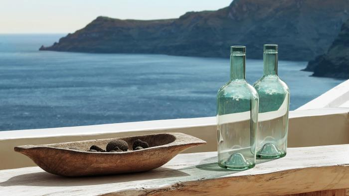 Recycled glass for sustainable bottles